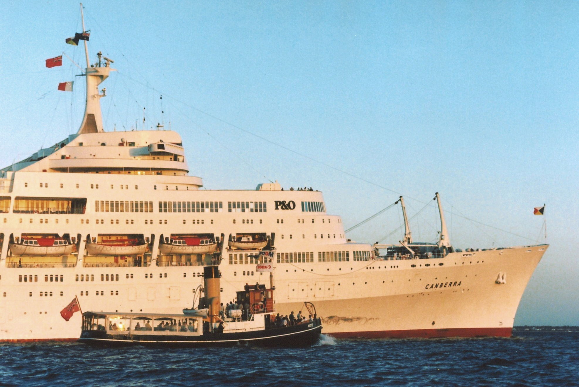 Wattle and Canberra at Station Pier 1997, Andrew Mackinnon